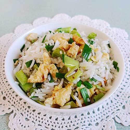 【懒人版】葱香豆角鸡蛋炒饭
