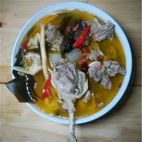 酸萝卜汤炖老鸭