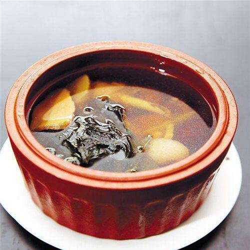 【首发】胡萝卜红枣排骨汤