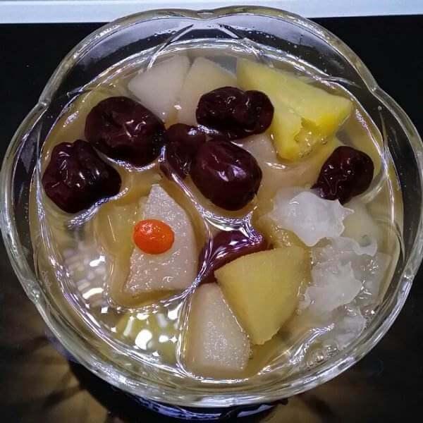 苹果银耳红枣枸杞甜汤(简单版)