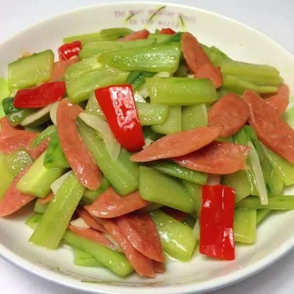 小青菜炒火腿肠