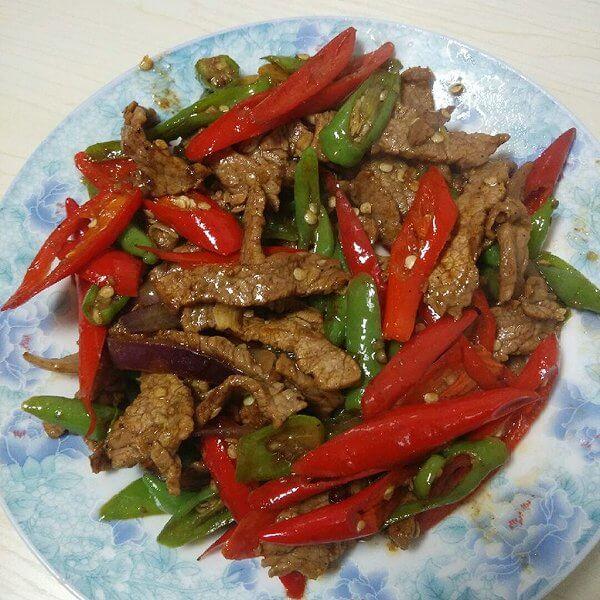 最爱的青红辣椒炒焖牛肉