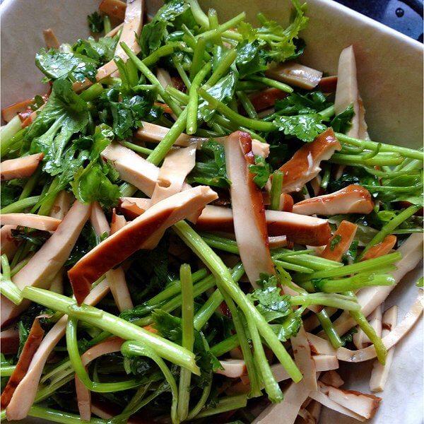 【DIY】香菜葱白拌椿芽