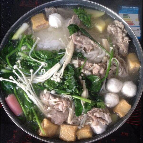 羊肉菌菇火锅
