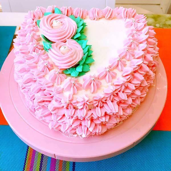 粉红佳人生日蛋糕
