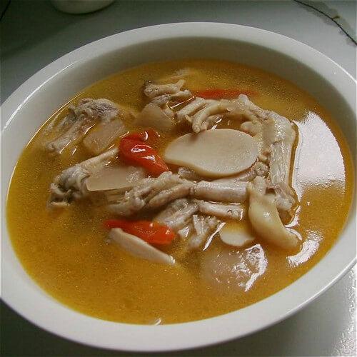 茶树菇鸭掌汤
