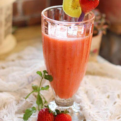 金果草莓汁