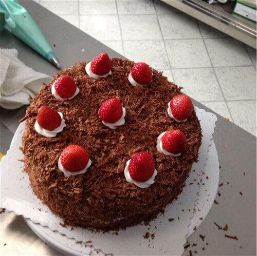 熔岩泡芙生日蛋糕