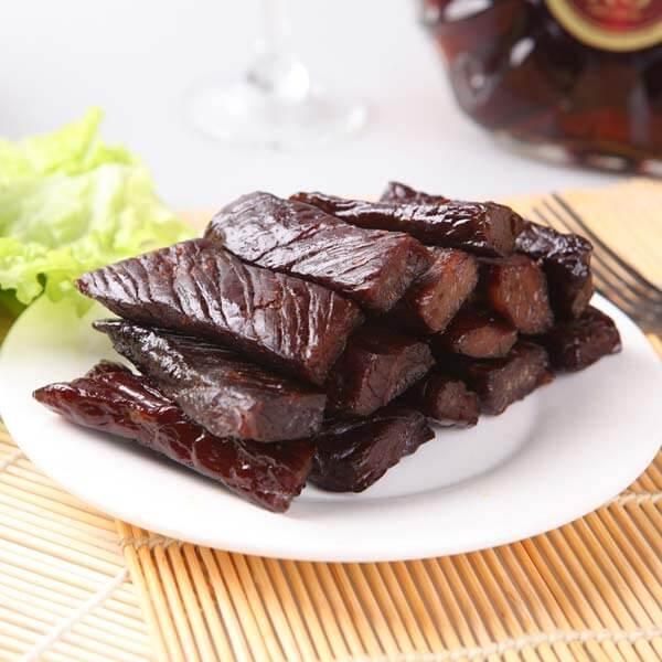 大蒜辣椒炒桂东黄牛肉干—春季美食