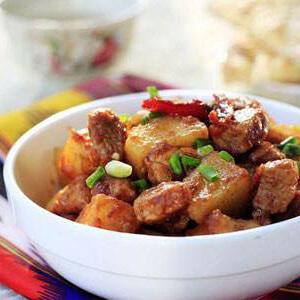 新疆土豆烧羊肉