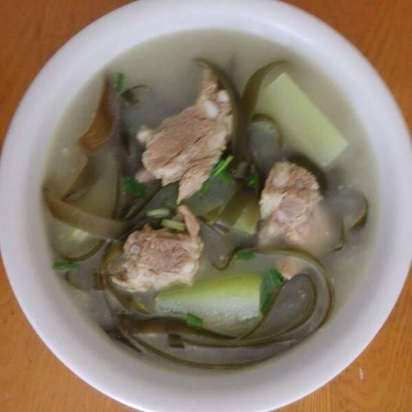 猪骨肉丸海带汤