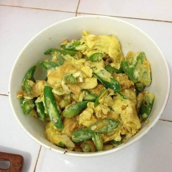 蚝油煎蛋炒辣椒