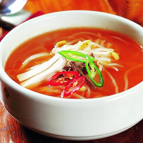 火腿豆芽营养汤