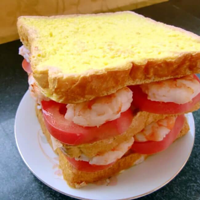 鸡蛋虾仁堡