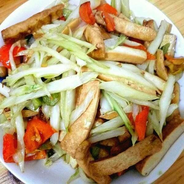 白菜香干炒千张
