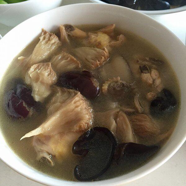 美味黄芪猴头菇鸡汤