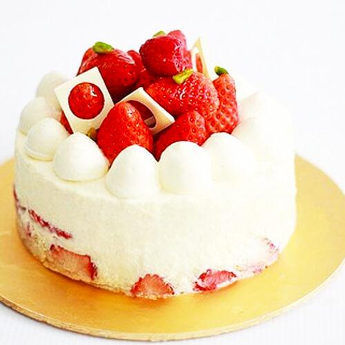 制作草莓蛋糕