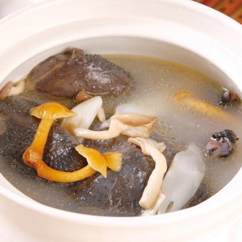 妈妈做的猴头菇煲乌鸡