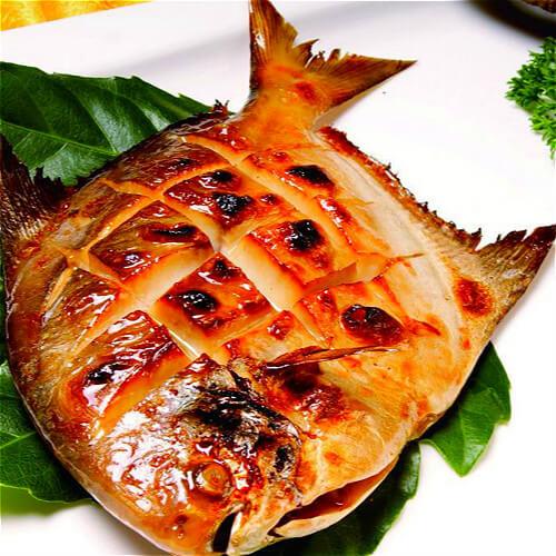 五香烤鲳鱼
