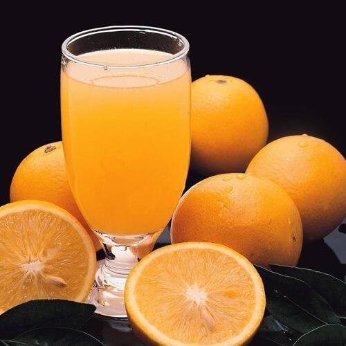 原汁原味的新鲜橙汁