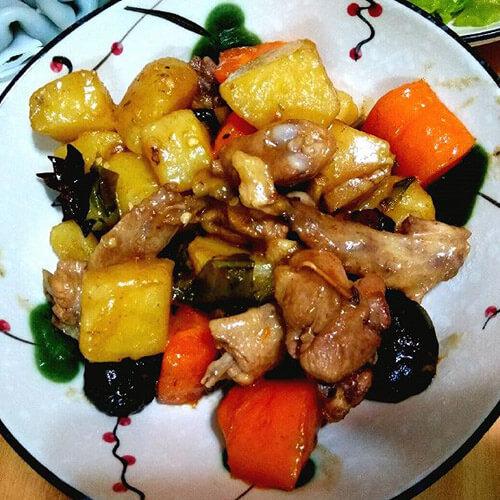 萝卜焖鸡肉