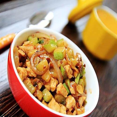 西葫芦炖鸡块
