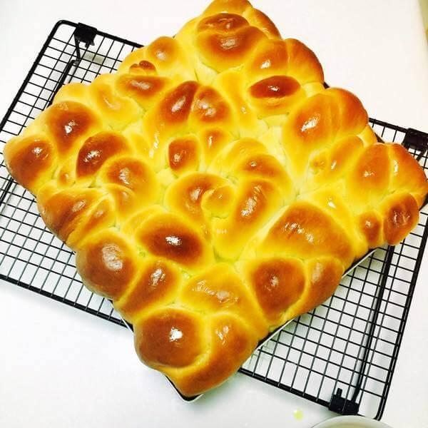 让人怀念的果味淡奶油面包