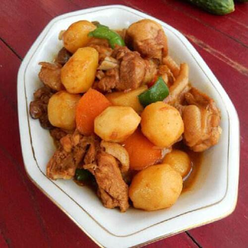 土豆炖鸡丁