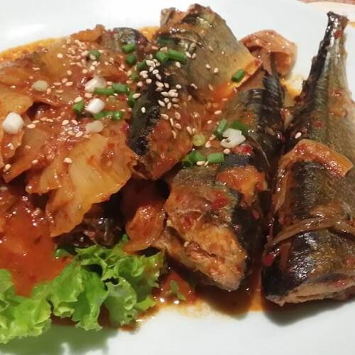 韩式泡菜炖秋刀鱼