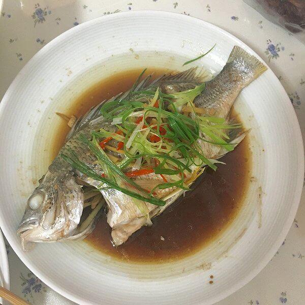 紫苏老干妈蒸海鱼