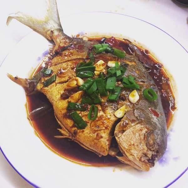 潮式半煎煮黑鲳鱼
