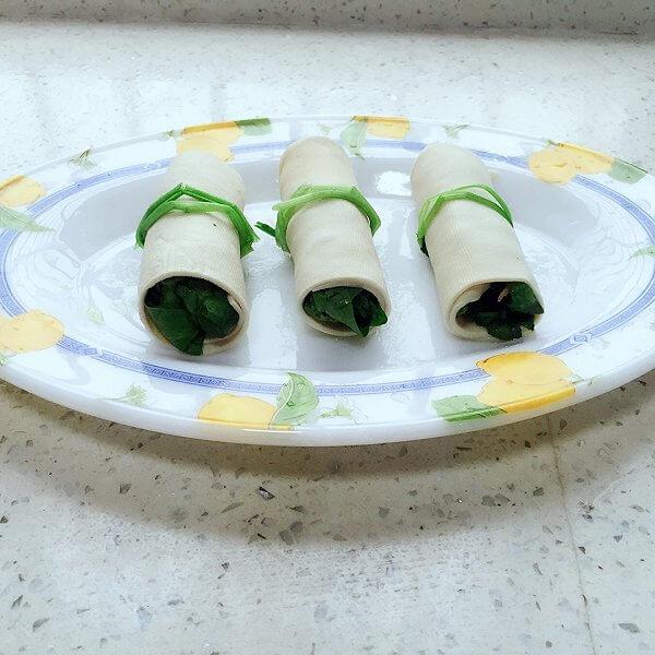 易做的菠菜豆皮卷