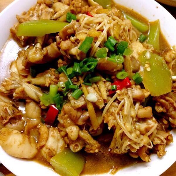 莴笋金针菇炒肉