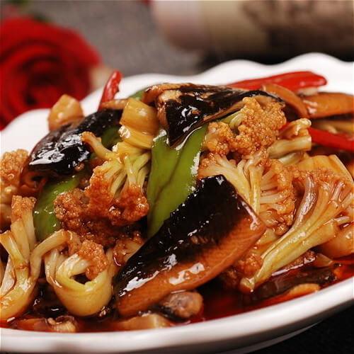 可口的咸肉干煸花菜