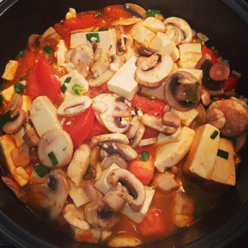 西红柿口蘑汤