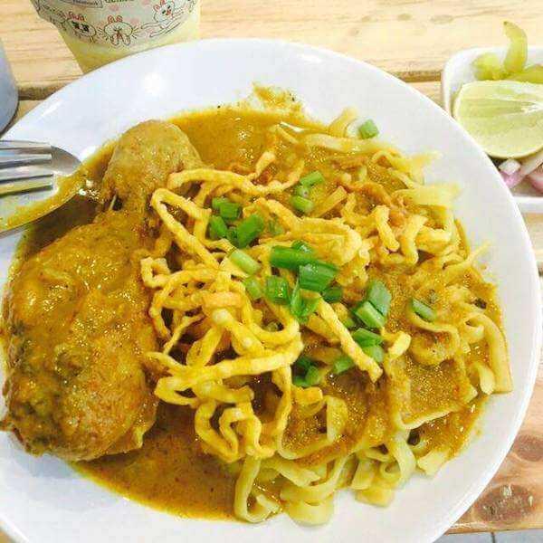 美味的椰浆咖哩蛤蜊浓汤