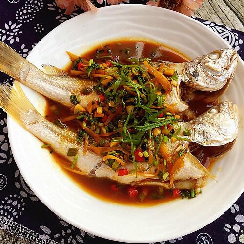 家常甜面酱烧海鲈鱼