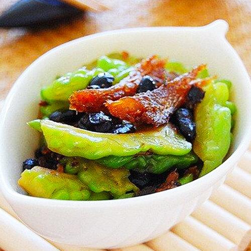 豆豉鲮鱼炒苦瓜