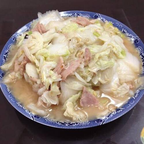颜值高的白菜炒肉