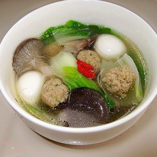 白菜肉丸菌菇烩