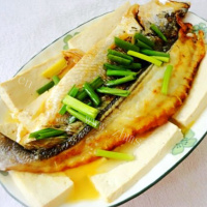 【美味可口】咸黄鱼蒸豆腐