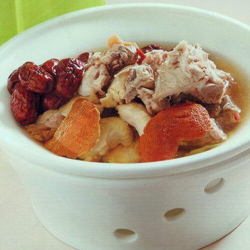 红枣炖烧五花肉