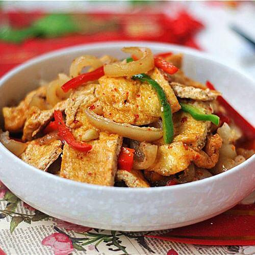 油豆腐焖腊鱼