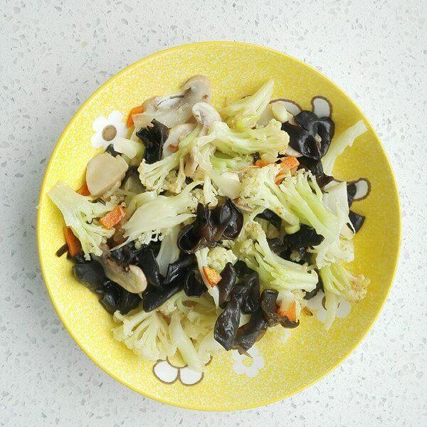 洋葱拌菜:适合肠胃功能健全的人