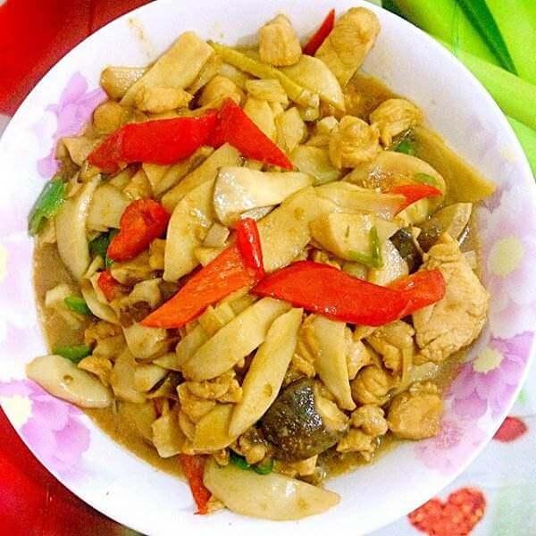 甜豆鸡腿菇炒腊肉