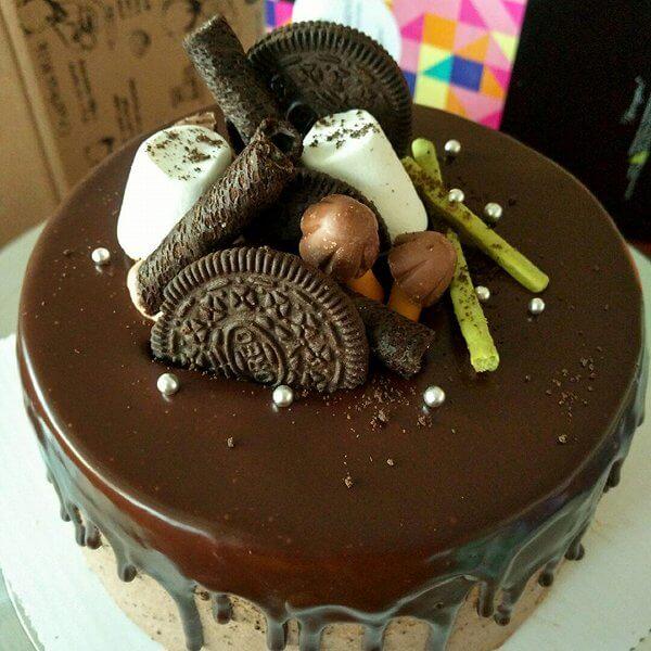 果仁巧克力淋面蛋糕