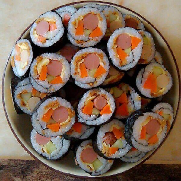 家常鱿鱼丝紫菜包饭