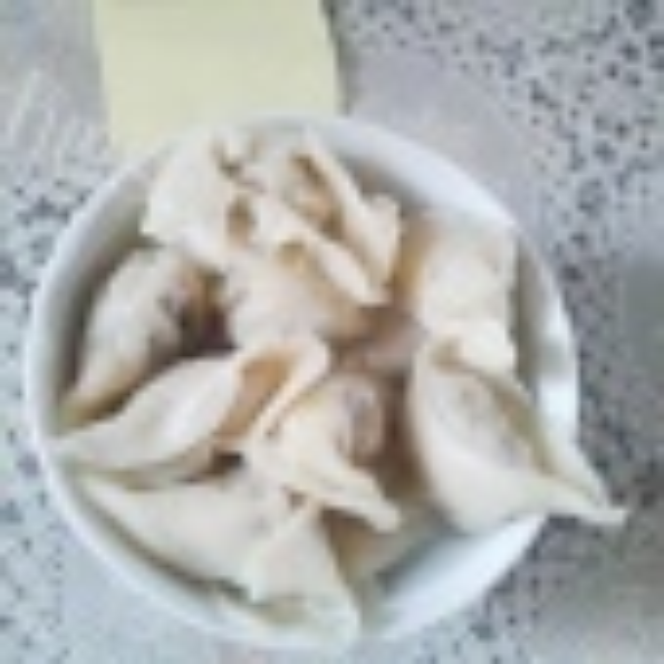 诱人的酸菜猪肉饺