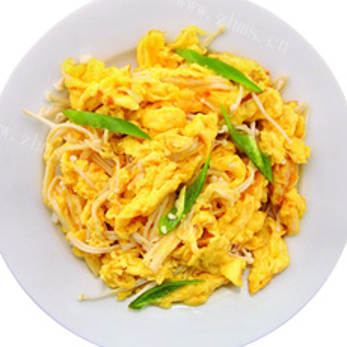 青椒金针菇炒蛋黄