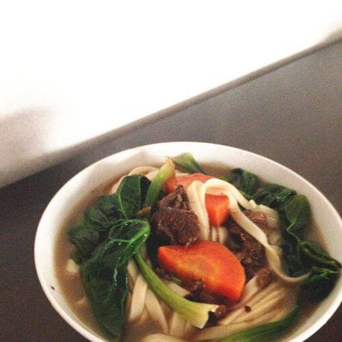胡萝卜羊肉烀汤面